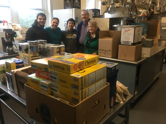 a wonderful group of volunteers from Woodlands Community Temple with a huge post-Yom Kippur donation for the food pantry. Thanks Woodlands!
